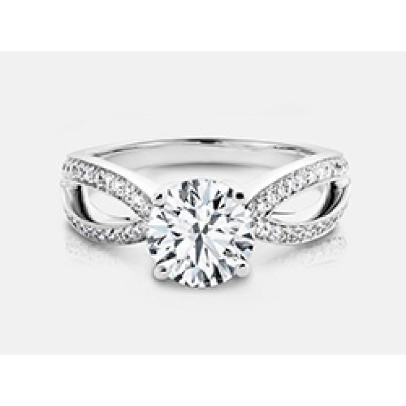 Round Brilliant Diamond Engagement Ring in 18K White Gold