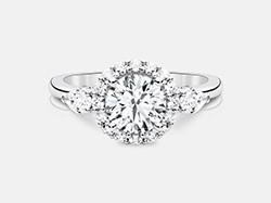 Round Brilliant Diamond Halo Engagement Ring in18K White Gold